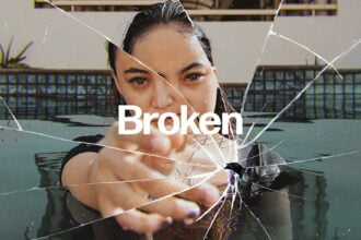20+ Best Glass Photoshop Effects (+ Broken, Shattered & Frosted Glass Overlays)